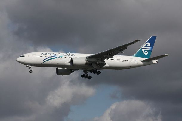 An Air New Zealand Boeing 777-219/ER landing at Vancouver International Airport. Author: Makaristos
