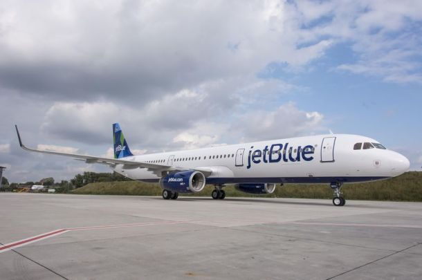Days after the delivery of its first A321 jetliner, JetBlue's deal that included 35 new A320 Family aircraft marks the 10,000th order for this Airbus single-aisle product line. http://www.airbus.com/galleries/photo-gallery/dg/idp/33706-a321-jetblue/?share=1