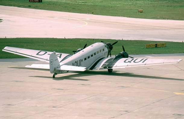 Ju 52/3m, Lufthansa Traditionsflugzeug D-AQUI Author: Gero Brandenburg