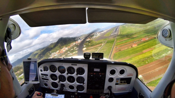 Turning on final RWY 12.