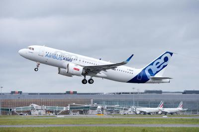 eve-827-20150519-pp-first-flight-a320neo-cfm-take-off-009_web