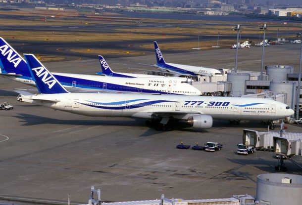 By contri from Yonezawa-Shi Yamagata, Japan - All Nippon Airways B777-381 (JA752A/28274/160), CC BY-SA 2.0, https://commons.wikimedia.org/w/index.php?curid=11138182