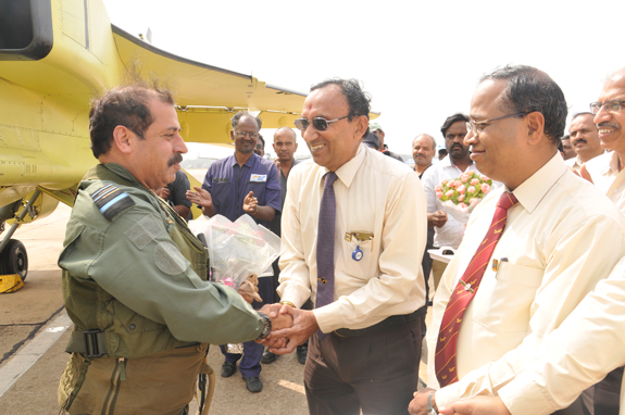 Mr D.K Venkatesh, Director (Engg. and R & D)-HAL greeting Air Marshal RKS Bhadauria, AVSM, VM, DCAS after successful flight of upgraded Jaguar DARIN III at HAL airport, Bengaluru. Mr. R Kaveri Renganathan, CEO (BC)-HAL is also seen