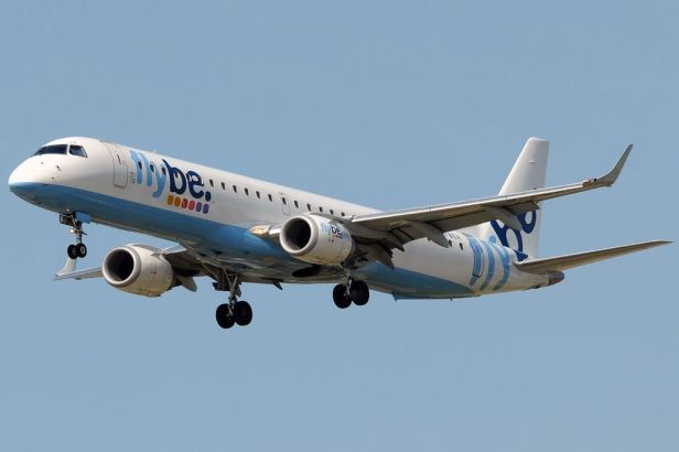 By Javier Bravo Muñoz - Gallery page http://www.airliners.net/photo/Flybe---British/Embraer-ERJ-190-200LR-195LR/1712420/LPhoto http://cdn-www.airliners.net/aviation-photos/photos/0/2/4/1712420.jpg, GFDL 1.2, https://commons.wikimedia.org/w/index.php?curid=27326771