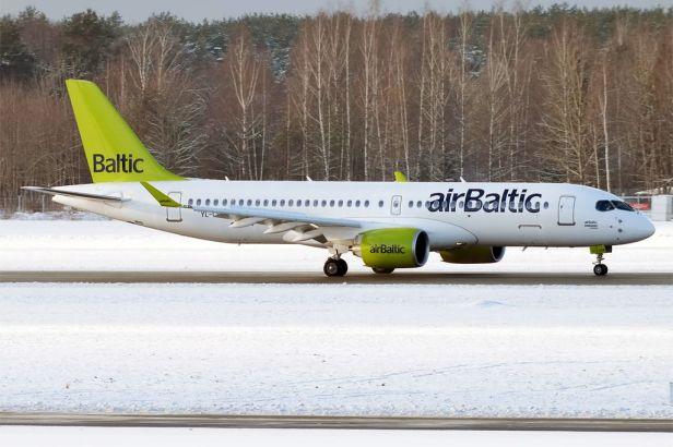 By Anna Zvereva from Tallinn, Estonia - Air Baltic, YL-CSA, Bombardier CS300, CC BY-SA 2.0, https://commons.wikimedia.org/w/index.php?curid=53851663