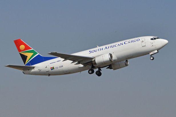 boeing_737-3y0f_zs-sbb_south_african_cargo_15889332207